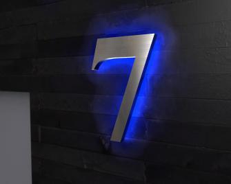 Edelstahl-Hausnummer7 mit Ambilight